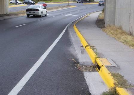 Bike Lane Disappears on Van Buren Drive